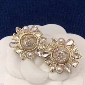 Authentic CHANEL Earrings Pearl Gold